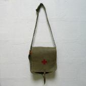 sac besace musette militaire vintage kaki croix rouge