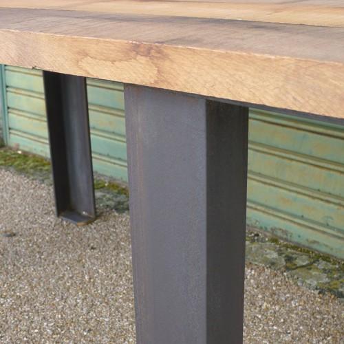 Table sur-mesure en métal et bois