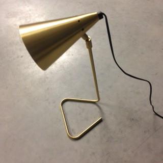 lampe de bureau en laiton massif lampe poser dor e. Black Bedroom Furniture Sets. Home Design Ideas