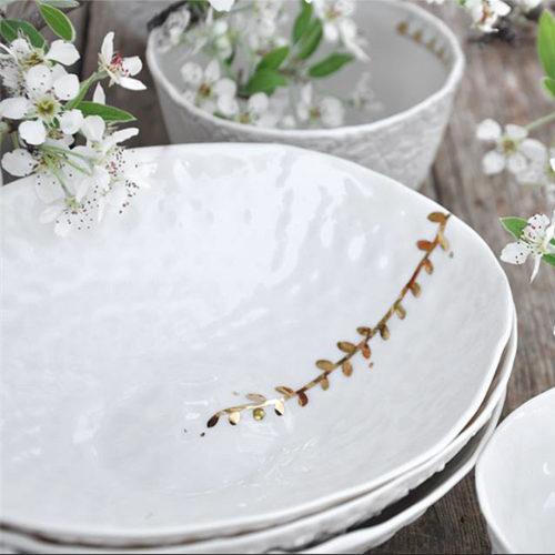 Assiette en porcelaine – Myriam Ait Amar