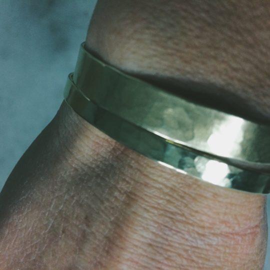 bracelet laiton martelé, fabrication francaise