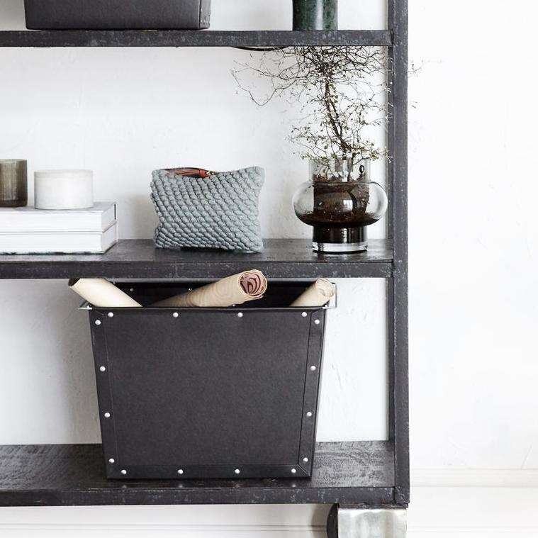 boite de rangement en carton chez les voisins. Black Bedroom Furniture Sets. Home Design Ideas