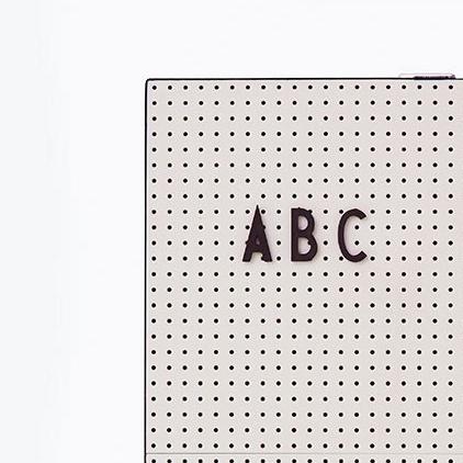 letter board ou message board chez les voisins. Black Bedroom Furniture Sets. Home Design Ideas