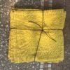 serviette en lin lavé couleur jaune curry