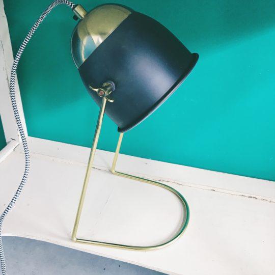 lampe de bureau laiton et metal noir Madam Stoltz