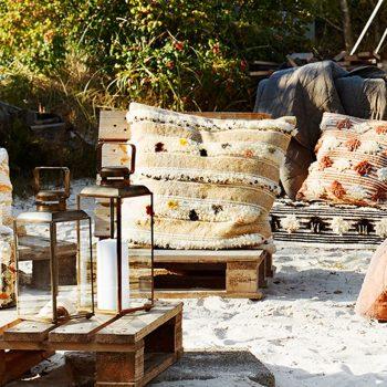 Coussin en laine et sequins
