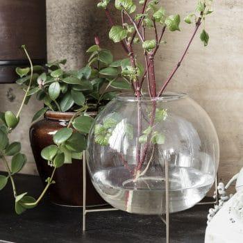 Vase boule en verre sur pieds ADA