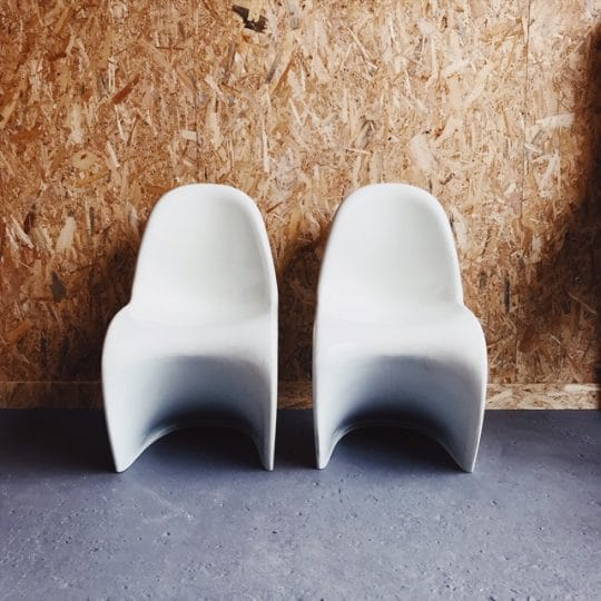 chaise_verner_panton_blanche_face