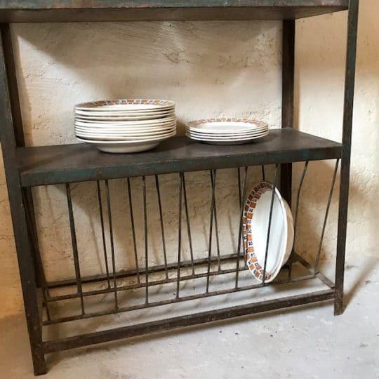 meuble d'atelier en métal vintage, idéal dans une cuisine ou une entrée.