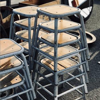Tabouret militaire en bois et metal