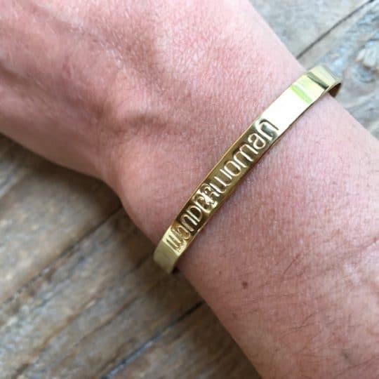 bracelet-jonc-en-laiton-wonderwoman