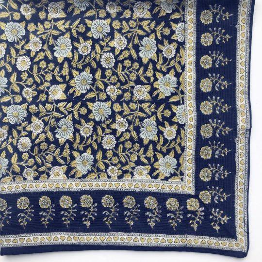 grand foulard bleu lagon en coton imprimé par block print, convient à toute la famille