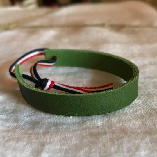 bracelet en cuir kaki