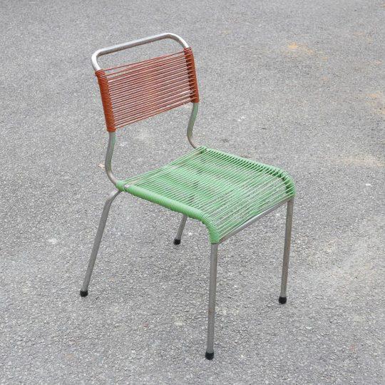 Chaise scoobidou marron vert
