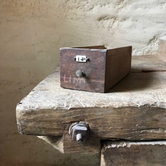 petit tiroir vintage en bois