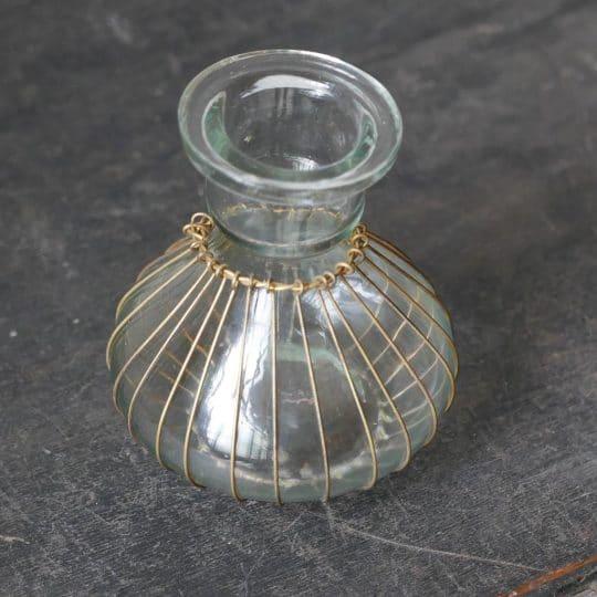 Vase avec laiton décoration