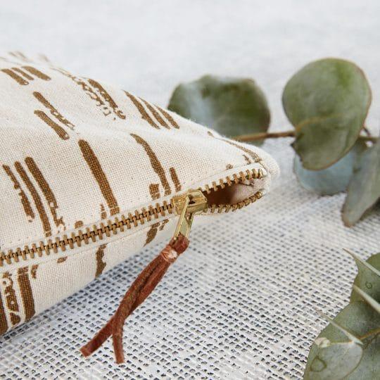 Pochette en tissu dorée