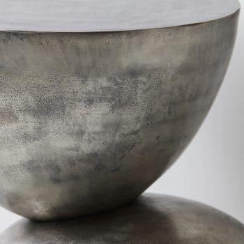 Table d'appoint en métal oxydé