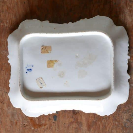 plat en porcelaine affaire conclue