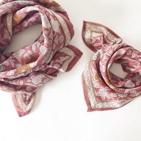 Foulard en coton coeur bois de rose