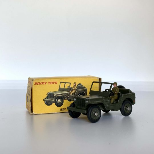 DINKY TOYS-jeep Hotchkiss Willys avec conducteur 816