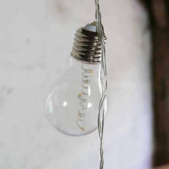 guirlande lumineuse led ampoules plastique Fiorira un giardino