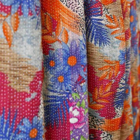 Kantha vintage carreaux et fleurs détails