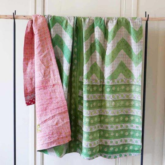 Kantha vintage vert et rose dos