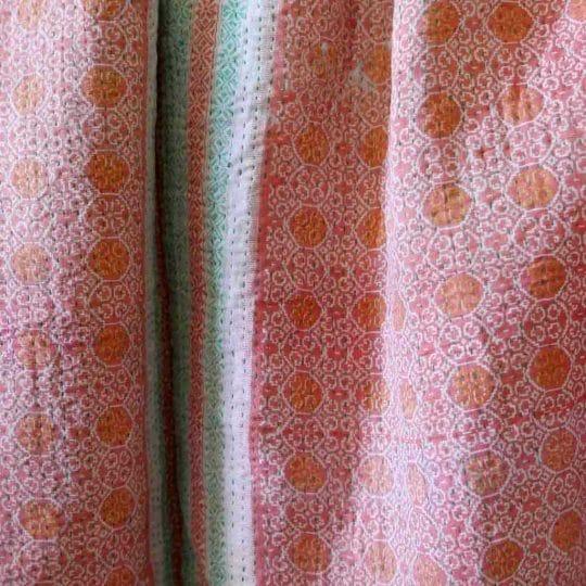 Kantha vintage vert et rose détails