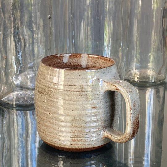 Tasse en grès brocante vintage