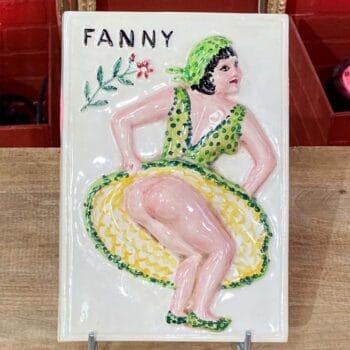 Plaque en porcelaine Fanny