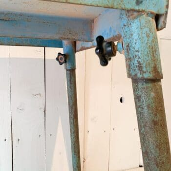 Table d'atelier en métal