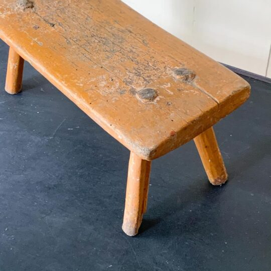 tabouret hongrois orange