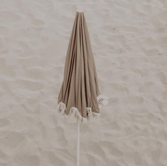 parasol en coton bio café au lait et franges