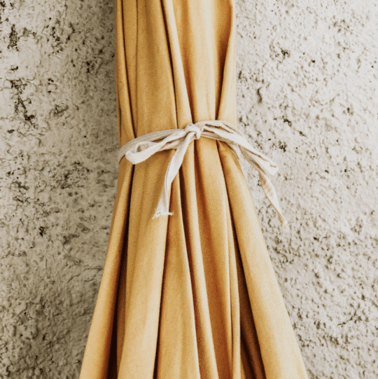 parasol en coton bio moutarde et franges