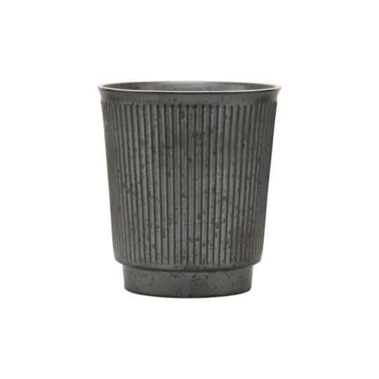 Mug ou gobelet en grès noir