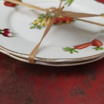 Assiettes plates signées Digoin et Sarreguemines (Lot de 2)• VINTAGE